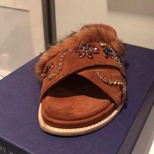 nome de plume Stuart Weitzman sandal **real fur **